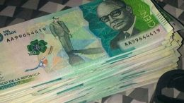 ¿Por qué después de 1 año de estar circulando los billetes de $100.000, seguimos sin verlos? 5