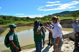 Directora de Cortolima entrega reservorio en Balsillas, Ortega 1