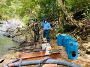 Siete capturados y destrucción de maquinaria por minería ilegal en Falan 1
