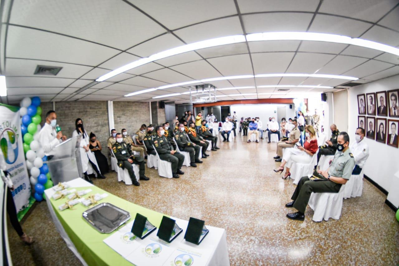 Cortolima reconoció a grupos especiales del Ejercito y la Policía - 2