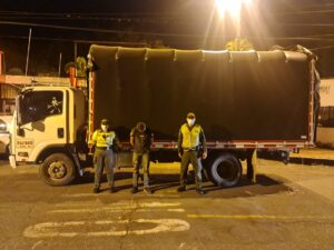 Policía recuperó camión cargado de café que había sido hurtado 1