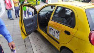 Taxista herido de tres puñaladas por el conductor de un Twingo 1