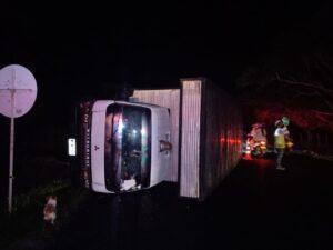 Quedó atrapado en la cabina del furgón pero salió ileso 1