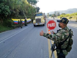 Viaje seguro: Ejército habrá presencia en las vías del Tolima durante estas festividades 1