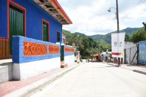 La vía entre San Bernardo e Ibagué ya se encuentra pavimentada - 1