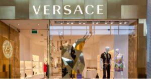 Los regalos que da Versace a sus trabajadores en diciembre 1