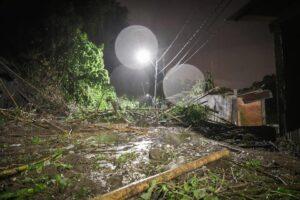 Fotos: Avalancha sobre siete viviendas en el barrio Baltazar deja 14 damnificados 1