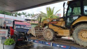 Desplazan maquinaria para atender derrumbe en la vía entre Prado y Dolores 1
