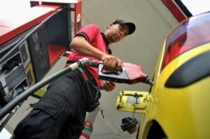 Desde este sábado sube el precio de la gasolina en todo el País 1