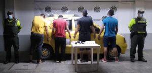 Se desplazaban 'armados hasta los dientes' en un taxi 1