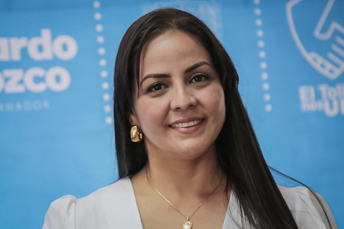 Gobernador Orozco posesionó a la nueva secretaria de la Mujer 2