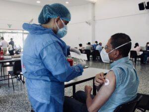 Habilitan puesto de vacunación en el Centro Comercial La Estación 1
