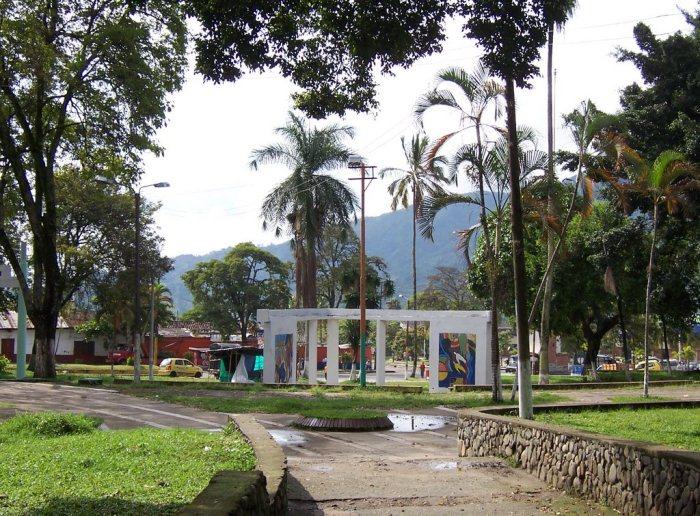 Infractores del Código de Policía realizaron jornada de limpieza en el parque Galarza 2