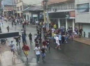 Ocho capturados y un policía herido: Balance de las protestas de este miércoles en Ibagué 1
