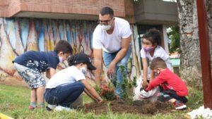 28 niños protegerán mil plantas sembradas en Ecoparque de Ibagué 1