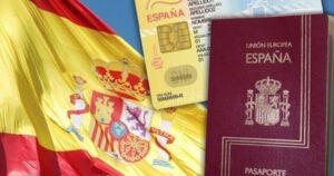 Colombianos, entre los que más se nacionalizaron españoles en 2020 1