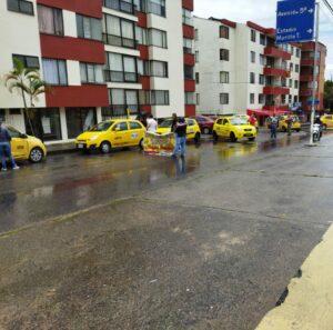 Taxistas protestan por llegada de otra plataforma ilegal de transporte de pasajeros a Ibagué 1